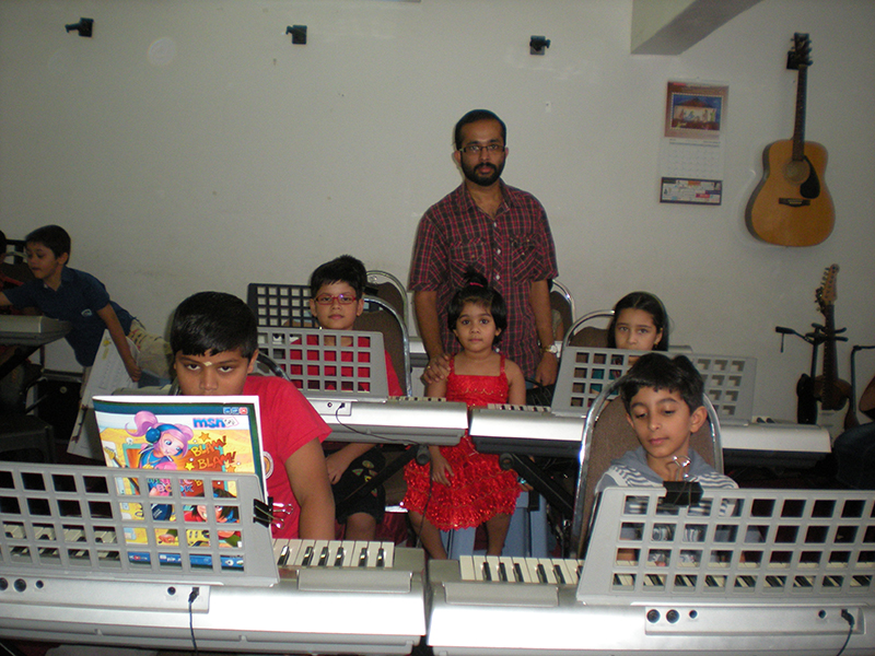 Prasanth Menon with his students in Dubai